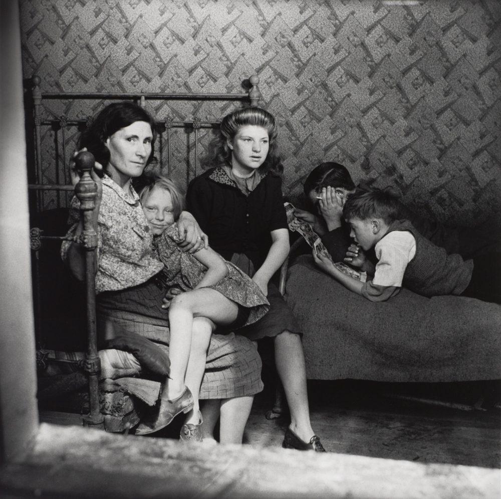 Family Group, Stepney, London 1932 by Edith Tudor-Hart