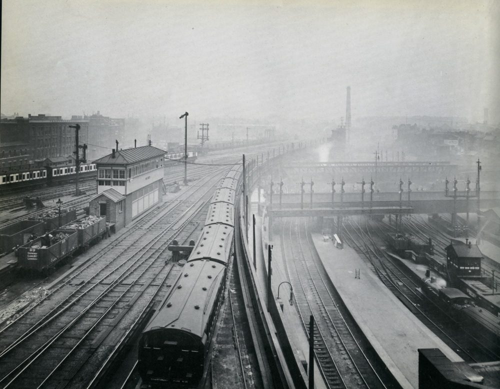 Looking north from Broad Street Station in 1898. The Liverpool Street platforms are on the right. Image courtesy Science Museum Group.