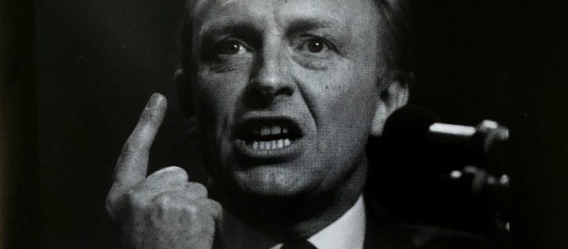 NeilNeil Kinnock making his 1985 Labour Party conference speech
