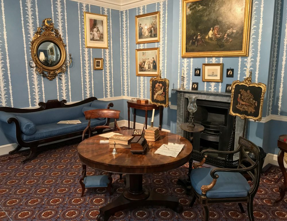 Drawing Room 1830 in Museum of the Home